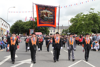 Ballynahinch LOL 620 marching on the Twelfth