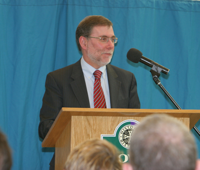 DCAL MInister Nelson McCausland has launched the £2million Ballynahinch Public Realm initiative.