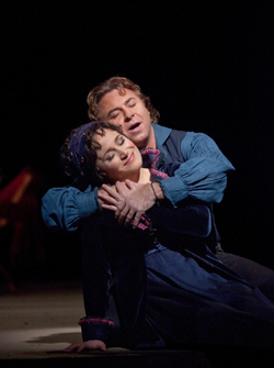 Tosca - Patricia Racette as Tosca and Roberto Alagna as Cavaradossi, (Photo by Ken Howard).