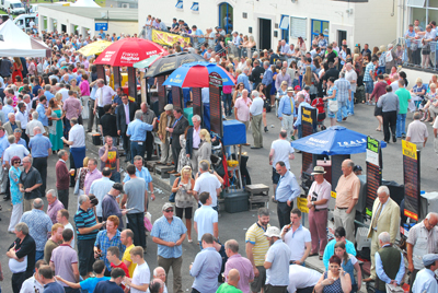 There will be an excellent crowd of spectators in Downpatrick for meeting on Sunday 23 March with the Ulster National.