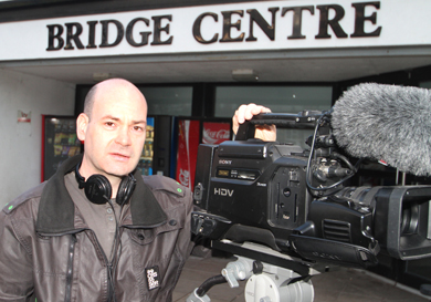 Darren Brown, third dan karate black belt, received a body blow when he dicovered that the Bridge Centre did not have wi-fi which as a result blocked the live streaming of the third annual All-Ireland karate competition in the centre.