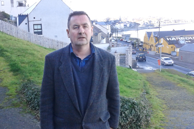 Cllr Willie Clarke has called for improvements to the Bogie Hill area in Newcastle.