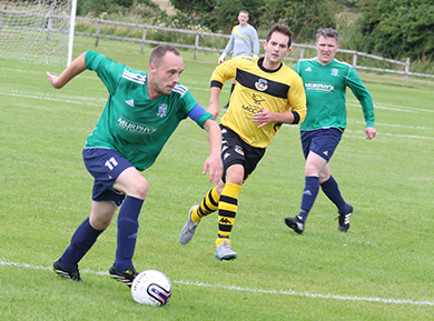 x breaks up the right wing against Shankhill Utd.