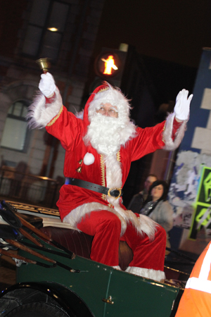 Car Traders Com >> Downpatrick Christmas Lights Switch On Draws Large Crowd