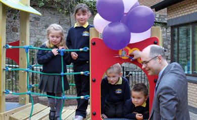 The US Consul General visited the All Children Integrated Primary School in Newcastle and chatted with pupils in their new classroom playground extension.