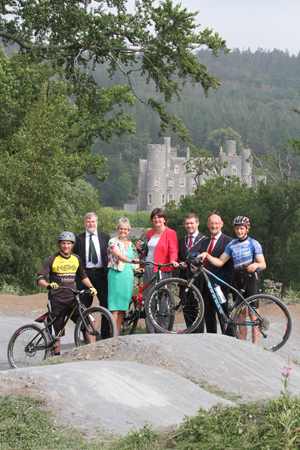 The mountain bike trail at Castlewellan Forest Park has now been officially opened. Pictured are bikers Glyn O'Brien and Gareth McKee with Malcolm Beatty, Forestry Service Chief Executive, South Down MP Margaret Ritchie MP, DETI Minister Arlene Foster, Down District Council Vice Chairman. Councillor  Gareth Sharvin, and Brian Henning, Sport NI Chairman.
