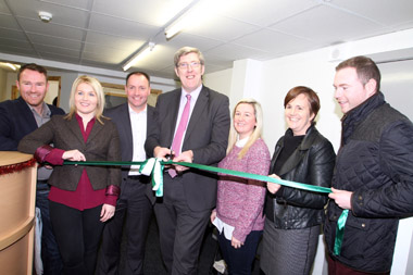 John O'Dowd cuts the ribbon to offically open the new Sinn FeŽin advice centre in Warrenpoint.