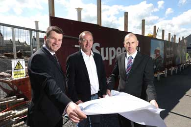 Pictured with Gabriel (centre) is SuperValu Sales Director of MRPNI Nigel Maxwell and SuperValu Business Development Manager Brian Ross.