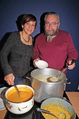 Serving out the soup were Antje Otto and Gabriel Magee.